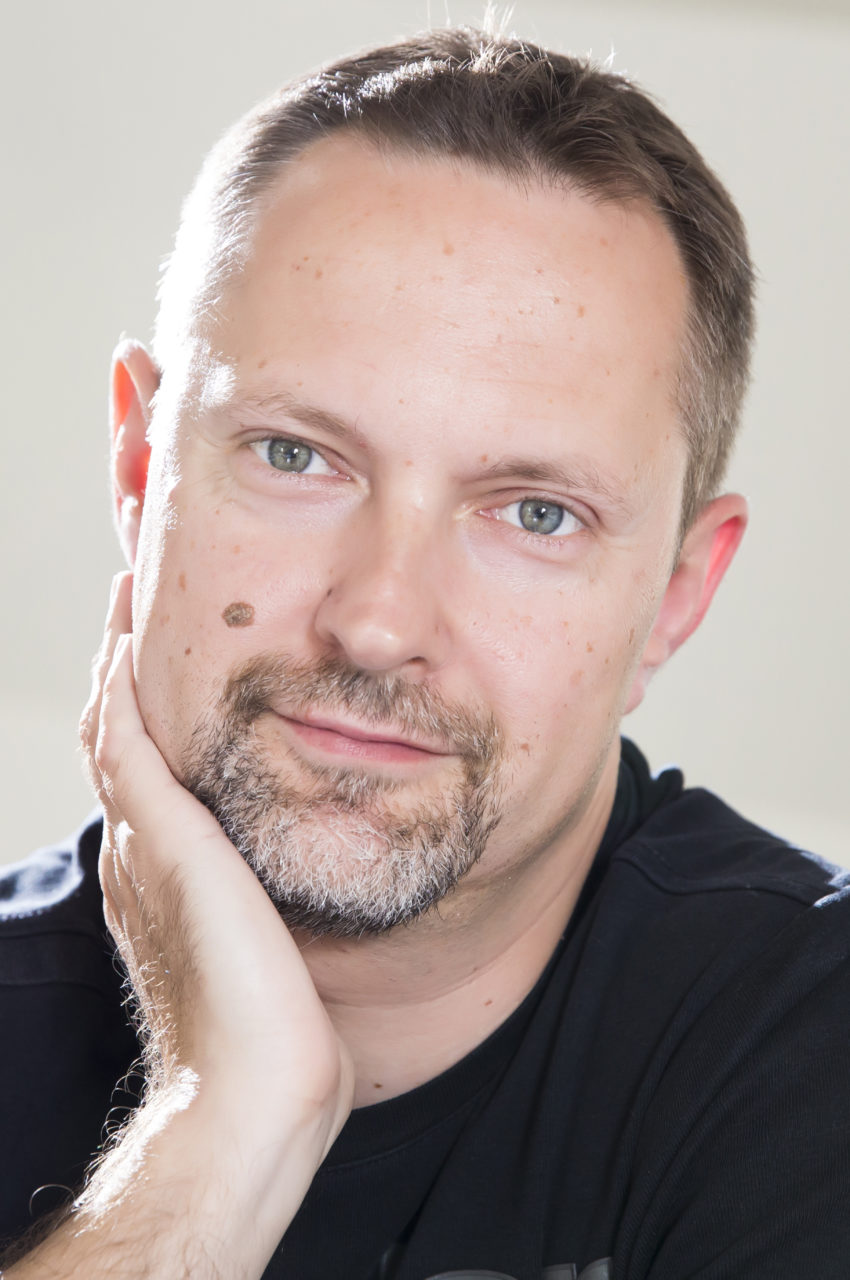 https://csjet.pl/wp-content/uploads/2021/06/Jakub-Banasiak2-850x1280.jpg