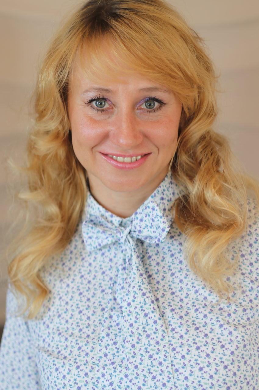 https://csjet.pl/wp-content/uploads/2021/06/Joanna-Wojewnik-2-850x1280.jpg